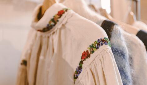 Camicia con ricami vintage Belgioioso