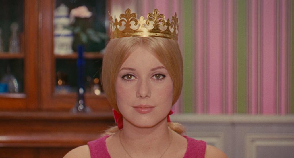 Genevieve con la corona