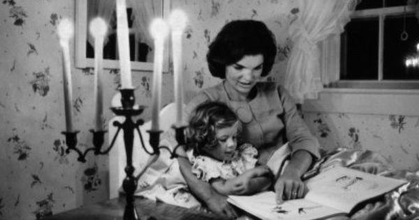 Jacqueline Kennedy con la figlia Caroline 1960 circa