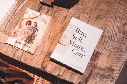 Buy sell share care Tea Rose Vestiaire Collective